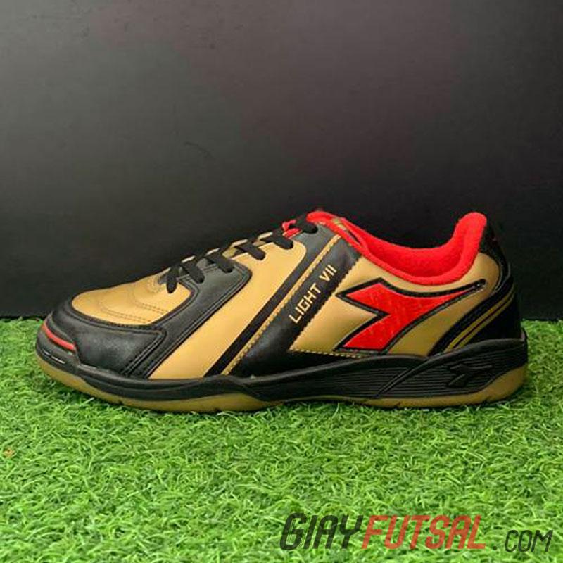 Giày Futsal Diadora Light VII IC đồng đen